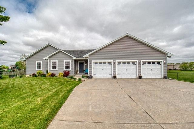202 Marsh Hawk Drive, LEROY, IL 61752 (MLS #10388302) :: Berkshire Hathaway HomeServices Snyder Real Estate