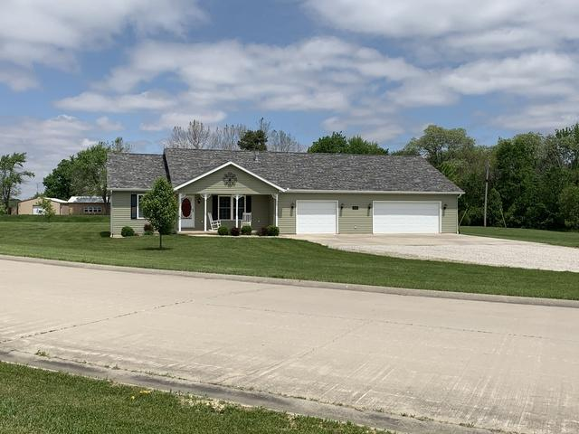 8155 Lake Drive, CLINTON, IL 61727 (MLS #10388358) :: Berkshire Hathaway HomeServices Snyder Real Estate