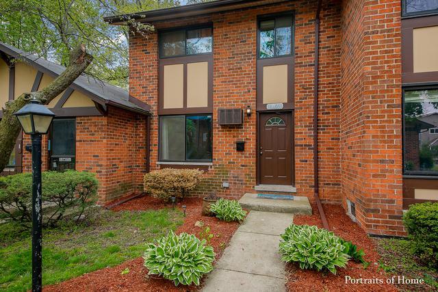 18W053 Apley Lane, Villa Park, IL 60181 (MLS #10388555) :: Ryan Dallas Real Estate