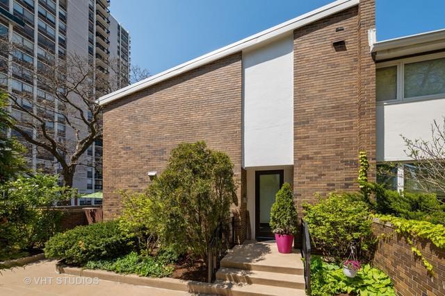 74 W Schiller Street #74, Chicago, IL 60610 (MLS #10388714) :: Berkshire Hathaway HomeServices Snyder Real Estate