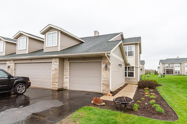 935 Penny Lane #935, Sycamore, IL 60178 (MLS #10388767) :: Berkshire Hathaway HomeServices Snyder Real Estate