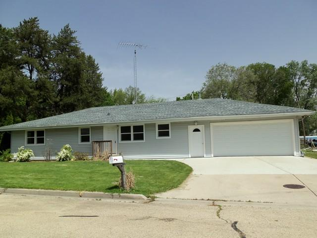304 Daly Avenue, Morris, IL 60450 (MLS #10389012) :: Berkshire Hathaway HomeServices Snyder Real Estate