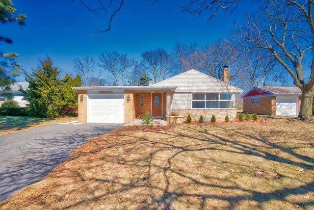 1346 London Lane, Glenview, IL 60025 (MLS #10389095) :: Berkshire Hathaway HomeServices Snyder Real Estate