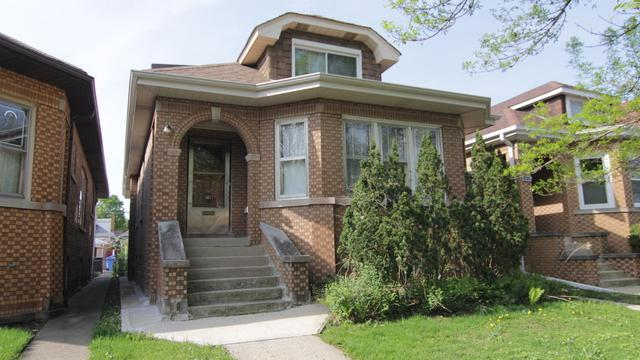 6033 W Barry Avenue, Chicago, IL 60634 (MLS #10389110) :: The Perotti Group | Compass Real Estate