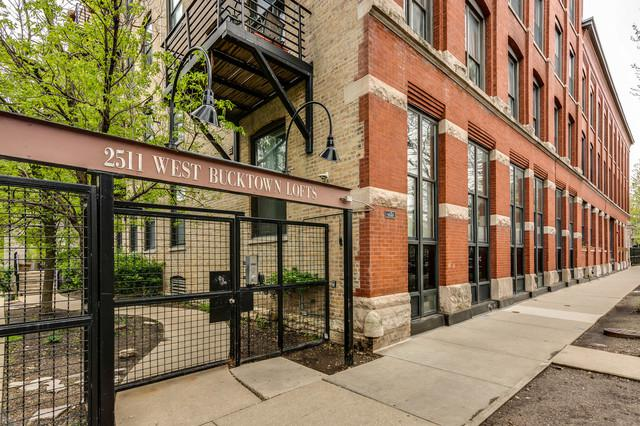 2511 W Moffat Street 204-D, Chicago, IL 60647 (MLS #10389204) :: The Perotti Group | Compass Real Estate