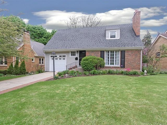 313 N Commonwealth Avenue, Elgin, IL 60123 (MLS #10389217) :: Berkshire Hathaway HomeServices Snyder Real Estate