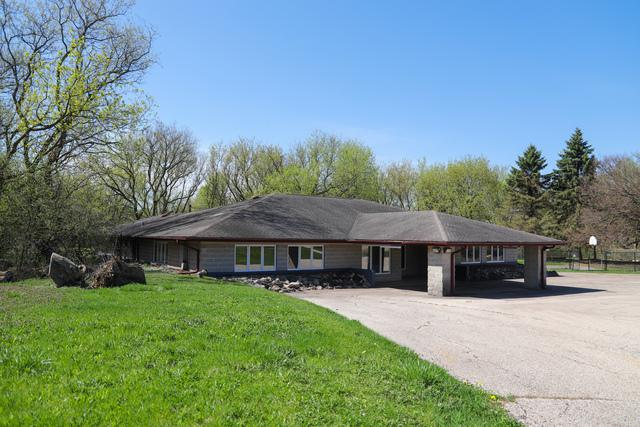 32W939 Algonquin Road, Barrington Hills, IL 60010 (MLS #10389228) :: Berkshire Hathaway HomeServices Snyder Real Estate