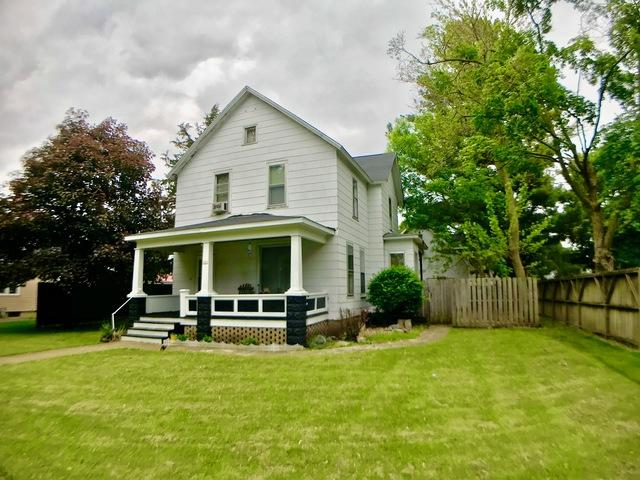 121 E Martin Street, Forrest, IL 61741 (MLS #10389246) :: Angela Walker Homes Real Estate Group
