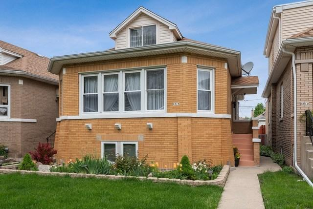 5916 W Roscoe Street, Chicago, IL 60634 (MLS #10389339) :: Berkshire Hathaway HomeServices Snyder Real Estate