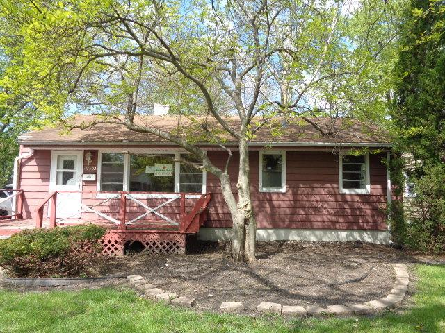 15502 Maple Street, South Holland, IL 60473 (MLS #10389493) :: Berkshire Hathaway HomeServices Snyder Real Estate