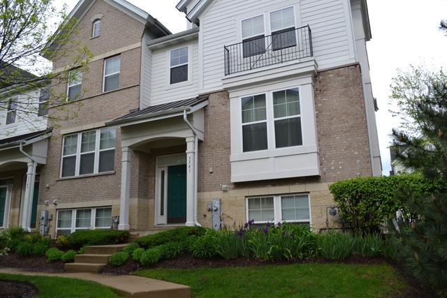 5541 Cambridge Way, Hanover Park, IL 60133 (MLS #10389497) :: Berkshire Hathaway HomeServices Snyder Real Estate