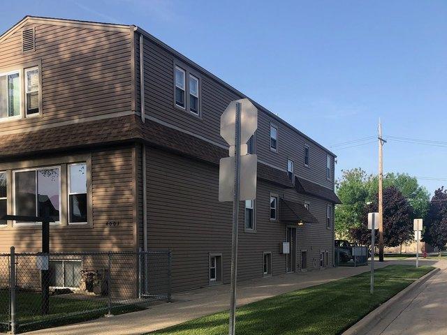 4001 Prairie Avenue, Schiller Park, IL 60176 (MLS #10389506) :: Century 21 Affiliated