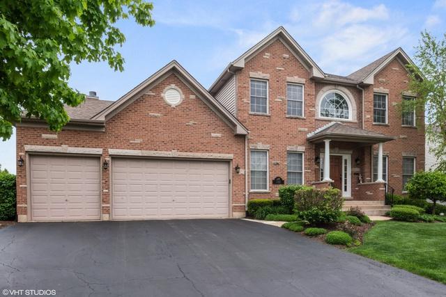 232 Pleasant Drive, Bartlett, IL 60103 (MLS #10389669) :: Century 21 Affiliated