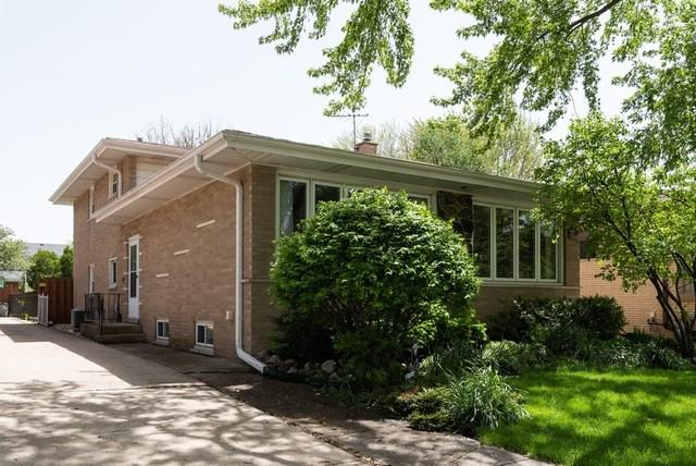 9011 S Sacramento Avenue, Evergreen Park, IL 60805 (MLS #10389798) :: Berkshire Hathaway HomeServices Snyder Real Estate