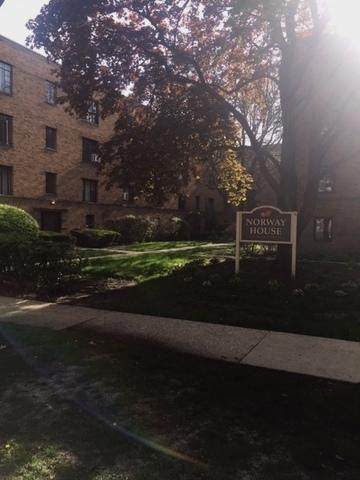 1551 Monroe Avenue #2, River Forest, IL 60305 (MLS #10389816) :: Berkshire Hathaway HomeServices Snyder Real Estate
