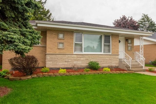2839 Buckingham Avenue, Westchester, IL 60154 (MLS #10389909) :: Berkshire Hathaway HomeServices Snyder Real Estate