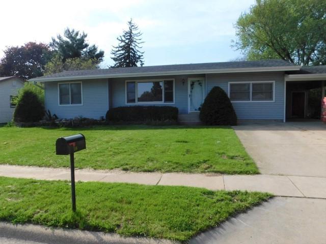 116 Janet Avenue, Rochelle, IL 61068 (MLS #10390065) :: The Dena Furlow Team - Keller Williams Realty