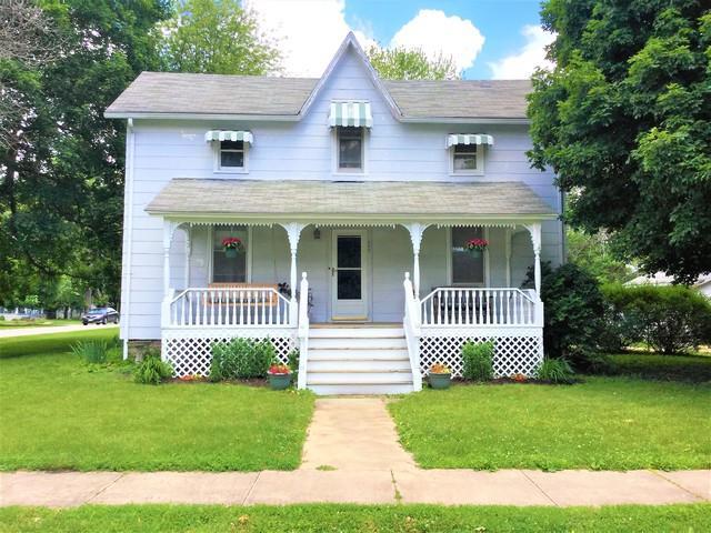 102 E Walnut Street, TOLONO, IL 61880 (MLS #10390076) :: Littlefield Group