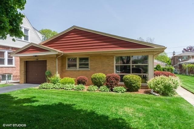 7411 Lowell Avenue, Skokie, IL 60076 (MLS #10390152) :: Berkshire Hathaway HomeServices Snyder Real Estate