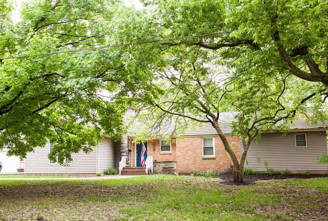 416 23rd Avenue, Ottawa, IL 61350 (MLS #10390219) :: Berkshire Hathaway HomeServices Snyder Real Estate