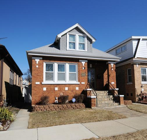 5616 W Newport Avenue, Chicago, IL 60634 (MLS #10390247) :: Berkshire Hathaway HomeServices Snyder Real Estate
