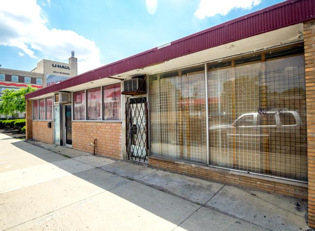 6024 Kedzie Avenue, Chicago, IL 60629 (MLS #10390371) :: The Perotti Group | Compass Real Estate