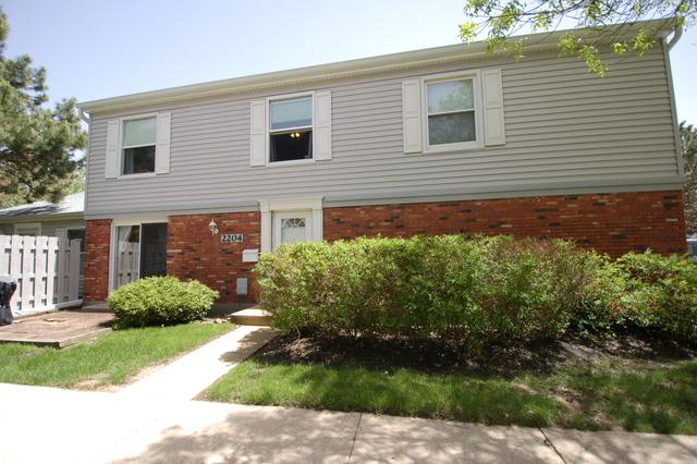 2204 Brittany Court #2204, Schaumburg, IL 60194 (MLS #10390372) :: Berkshire Hathaway HomeServices Snyder Real Estate