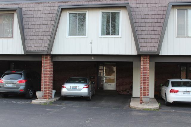 11 Cour La Salle, Palos Hills, IL 60465 (MLS #10390390) :: Century 21 Affiliated
