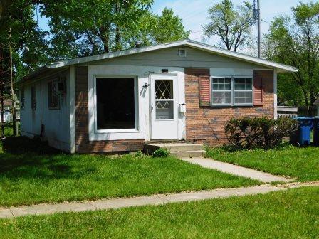 121 N Ash Street, Cullom, IL 60929 (MLS #10390735) :: Angela Walker Homes Real Estate Group