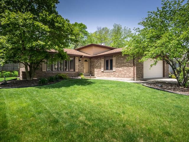7722 Stratford Place, Darien, IL 60561 (MLS #10390741) :: Berkshire Hathaway HomeServices Snyder Real Estate