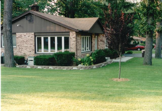 7300 W 109th Place, Worth, IL 60482 (MLS #10390959) :: Berkshire Hathaway HomeServices Snyder Real Estate