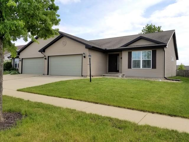 1605 E Lexington Drive, Urbana, IL 61802 (MLS #10391129) :: Berkshire Hathaway HomeServices Snyder Real Estate