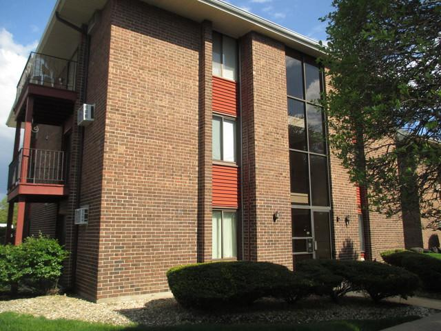 15830 Terrace Drive 2S, Oak Forest, IL 60452 (MLS #10391214) :: Berkshire Hathaway HomeServices Snyder Real Estate