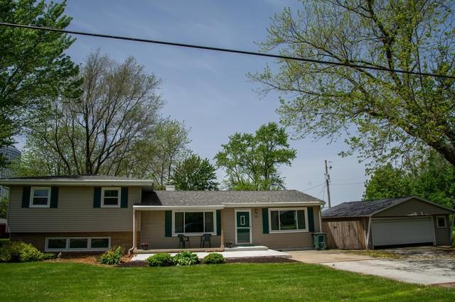 104 N Division Street, Stanford, IL 61774 (MLS #10391265) :: Angela Walker Homes Real Estate Group