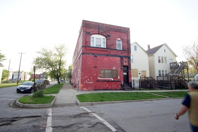 8358 S Buffalo Avenue, Chicago, IL 60617 (MLS #10391375) :: Berkshire Hathaway HomeServices Snyder Real Estate
