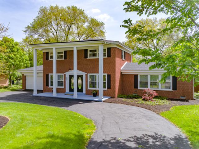 621 N Wilke Road, Arlington Heights, IL 60005 (MLS #10391408) :: Berkshire Hathaway HomeServices Snyder Real Estate