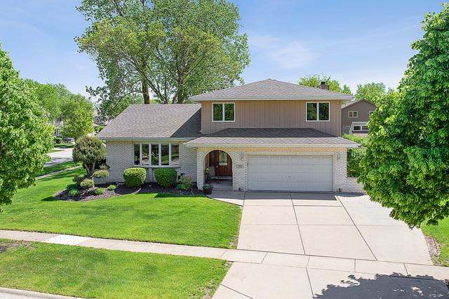 2 W Wend Street, Lemont, IL 60439 (MLS #10391498) :: Baz Realty Network | Keller Williams Elite