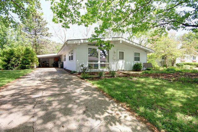 804 E Sunnycrest Drive, Urbana, IL 61801 (MLS #10391809) :: Berkshire Hathaway HomeServices Snyder Real Estate