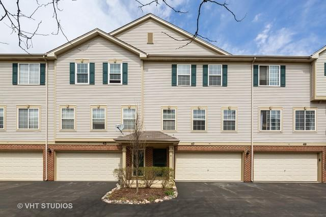 47 Monarch Drive #304, Streamwood, IL 60107 (MLS #10391812) :: Berkshire Hathaway HomeServices Snyder Real Estate