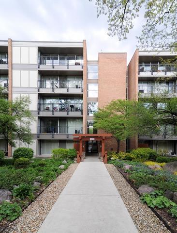 6020 Oakwood Drive 2J, Lisle, IL 60532 (MLS #10392037) :: Berkshire Hathaway HomeServices Snyder Real Estate
