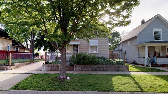 646 Raymond Street, Elgin, IL 60120 (MLS #10392185) :: Berkshire Hathaway HomeServices Snyder Real Estate