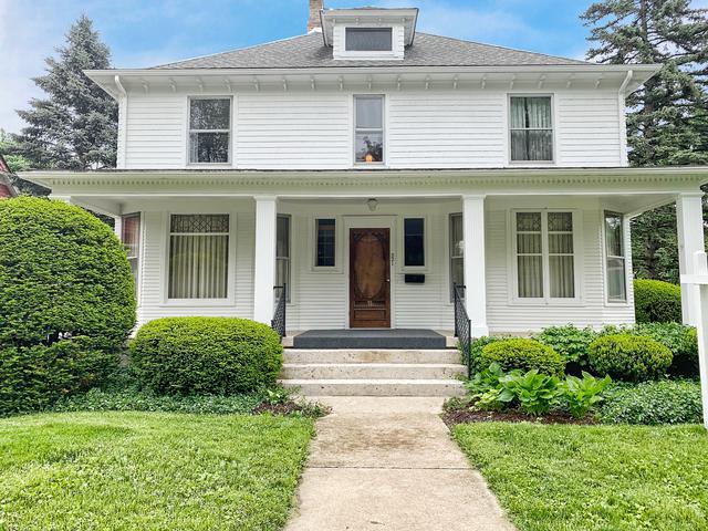 221 Hamilton Avenue, Elgin, IL 60123 (MLS #10392194) :: Berkshire Hathaway HomeServices Snyder Real Estate