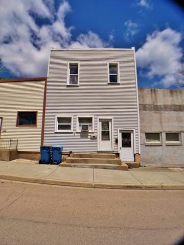 412 E Walnut Street, Oglesby, IL 61348 (MLS #10392201) :: The Dena Furlow Team - Keller Williams Realty