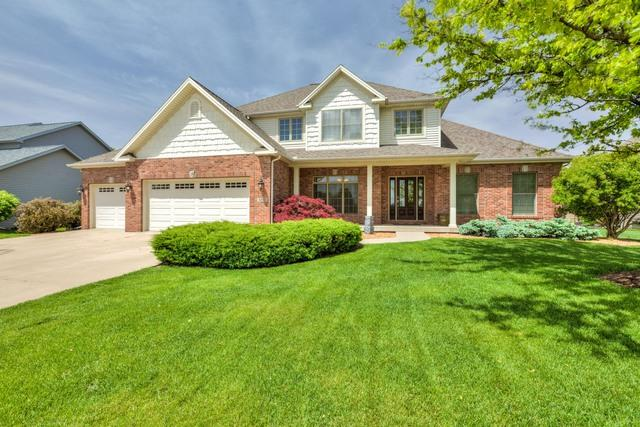 3202 Fiona Way, Bloomington, IL 61704 (MLS #10392207) :: BNRealty