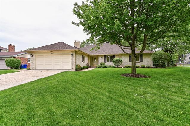 1633 Gamon Road, Wheaton, IL 60189 (MLS #10392251) :: Ani Real Estate