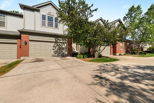 1497 Yellowstone Drive, Streamwood, IL 60107 (MLS #10392255) :: Berkshire Hathaway HomeServices Snyder Real Estate