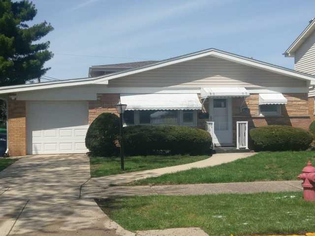 10628 Essex Street, Westchester, IL 60154 (MLS #10392308) :: Berkshire Hathaway HomeServices Snyder Real Estate