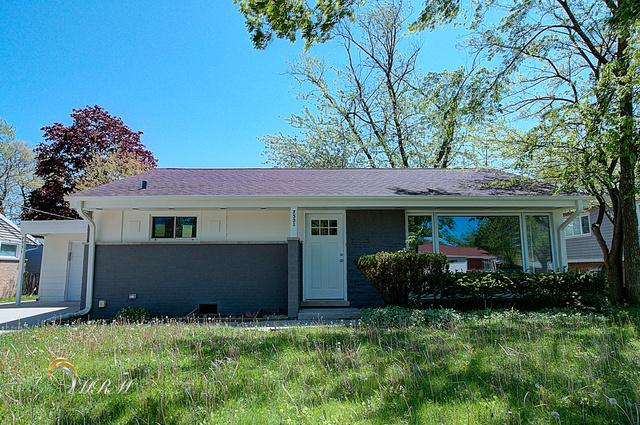 7531 Foster Street, Morton Grove, IL 60053 (MLS #10392461) :: Berkshire Hathaway HomeServices Snyder Real Estate