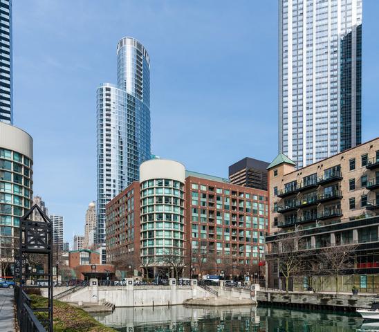 440 N Mcclurg Court #1105, Chicago, IL 60611 (MLS #10392670) :: John Lyons Real Estate