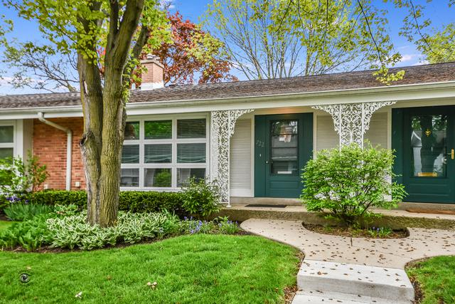 722 Carriage Hill Drive, Glenview, IL 60025 (MLS #10392706) :: Berkshire Hathaway HomeServices Snyder Real Estate